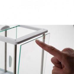 Pioneer Analysenwaage - Glaswindschutz mühelos reinigen